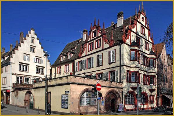 Photo de l ancienne maison Lauth, un bel immeuble Renaissance du XVIe  siècle qui fait l angle de la rue de la Division Leclerc et de la rue de la  Douane, ... ecc2033564bf