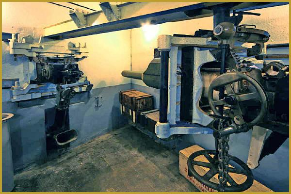 Photos de photos de l 39 int rieur du fort de schoenenbourg for L interieur du char de vimoutier
