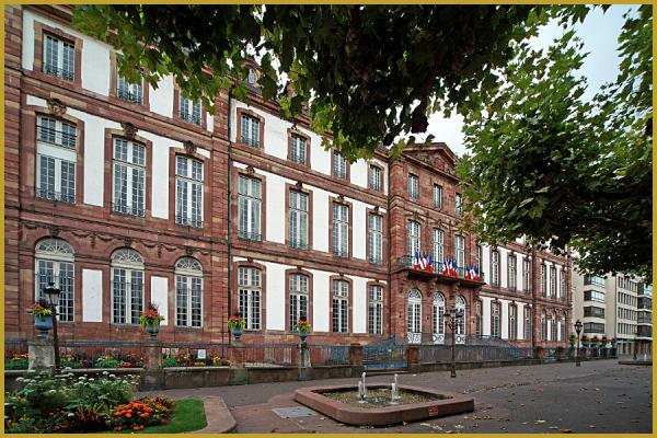 Photos de photos des fa ades de l 39 h tel de ville de for Hotel strasbourg piscine