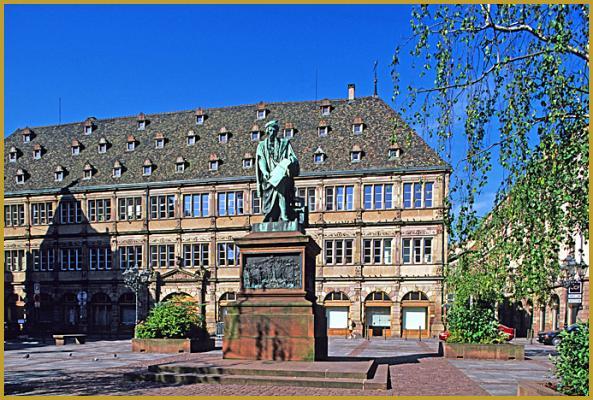 Photos de place gutenberg places strasbourg alsace for Chambre commerce strasbourg