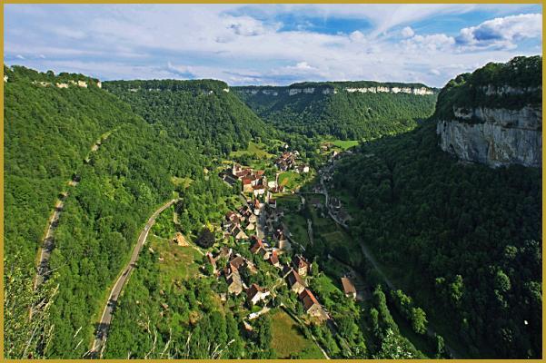 Photos de photos du village de baume les messieurs baume - Office du tourisme baume les messieurs ...